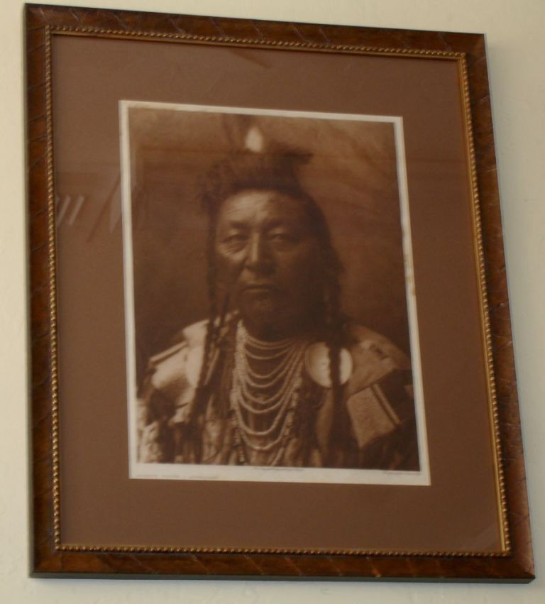 Plenty Coups-Apsaroke [from the North American Indian, framed]. Edward Sheriff Curtis.